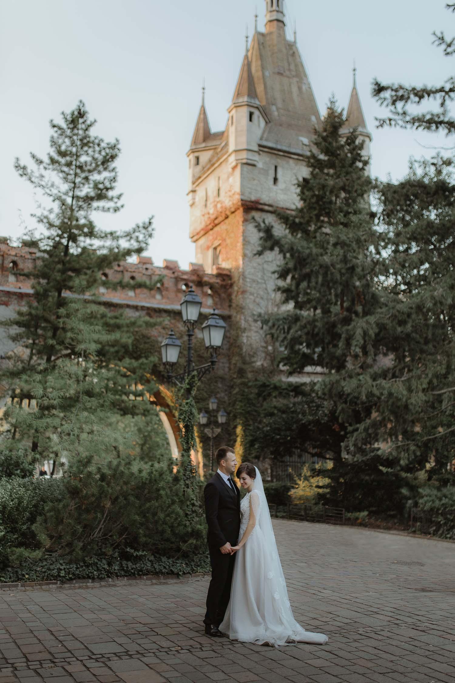 Budapest pre-wedding Vajdahunyad castle